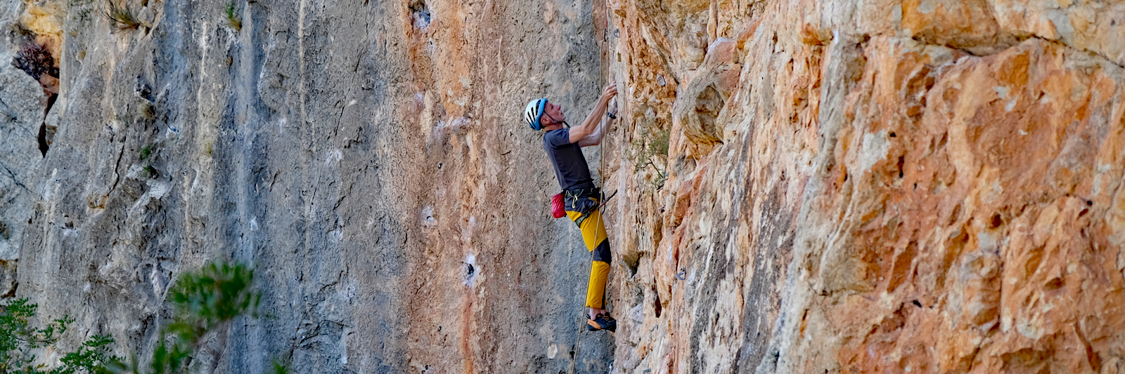 Rock-climbing-holiday-coaching-course-Costa-Blanca